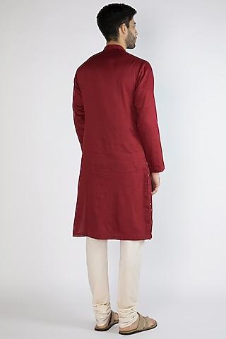 Red Thread Embroidered Kurta by Gagan Oberoi