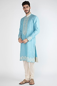 Light Blue Embroidered Kurta by Gagan Oberoi