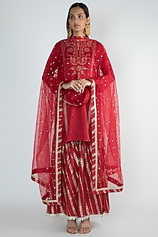 Red Embroidered Short Kurta Set by GOPI VAID