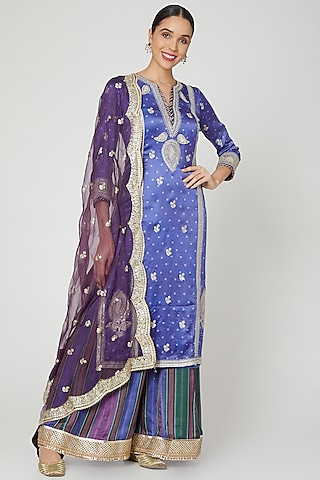 Purple Thread Embroidered Kurta Set by GOPI VAID