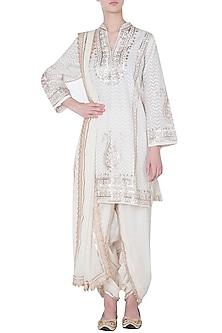 Off white embroidered kurta set by GOPI VAID