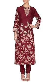 Burgundy embroidered kurta with churidar pants by Garo