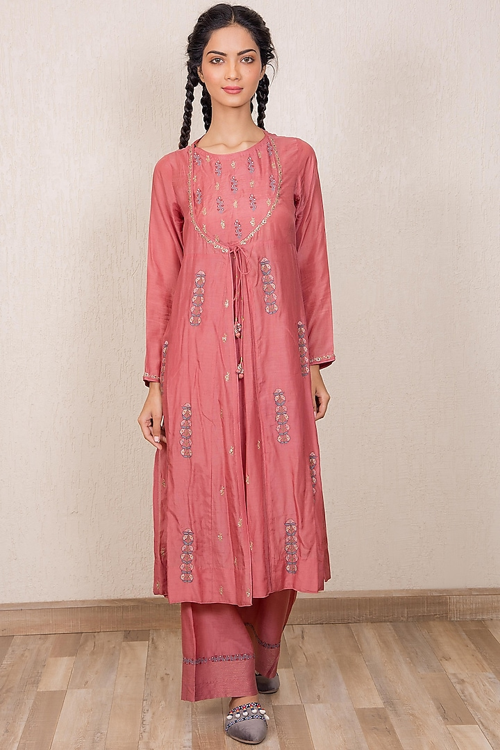 Dusty Pink Embroidered Mughal Kurta Set by Gazal Mishra