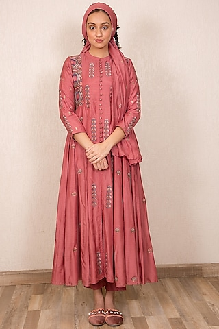 Dusty Pink Embroidered Buttoned Up Kurta by Gazal Mishra