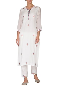 White Embroidered Kurta With Pants by Gazal Mishra