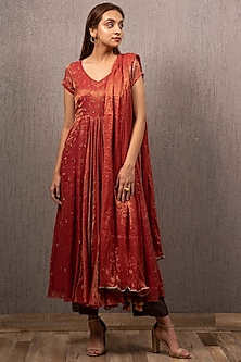 Red Embroidered Kalidar Kurta Set by Gazal Mishra