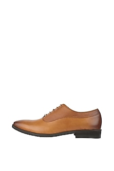 Tan Printed Formal Shoes by Harper Woods
