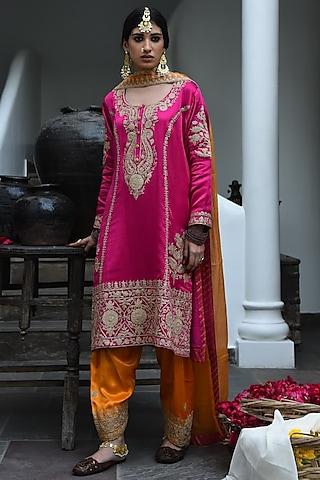 Rani Pink Embroidered Kurta Set by Heena Kochhar