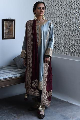 Grey Embroidered Kurta Set by Heena Kochhar