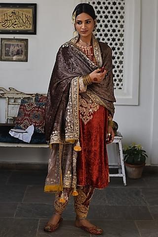 Rustic Red Embroidered Kurta Set by Heena Kochhar