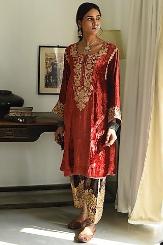 Rustic Red Zari Embroidered Kurta Set by Heena Kochhar