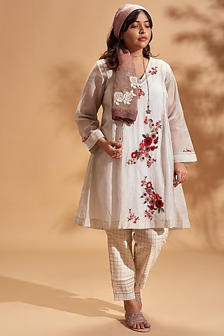 Off White Embroidered Kurta Set by Half Full Curve