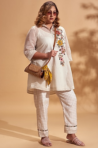 Off White Sequins Embroidered Kurta Set by Half Full Curve