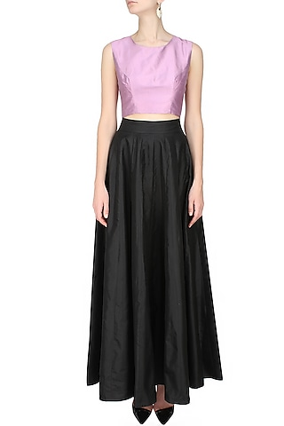 Purple sleeveless crop top by Hema Kaul
