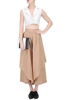 White Wide Collar Sleeveless Crop Top by House of Sohn