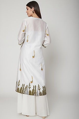 White Embroidered Kurta Set by Huemn