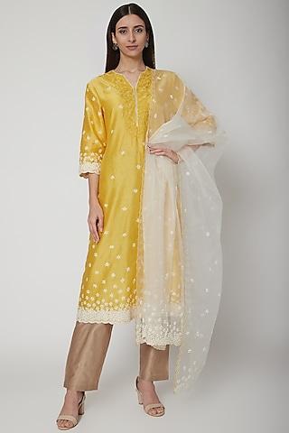 Yellow Embroidered Kurta Set by Huemn