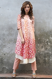 Peach Pink Ombre Printed Kurta With Pants by I AM DESIGN