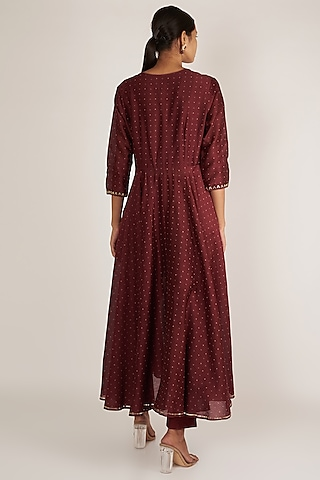 Wine Embroidered Kurta With Narrow Pants by Ivory by dipika