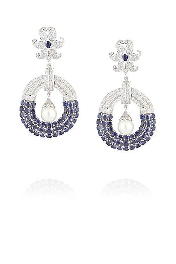Rhodium polish blue kyanite, pearl and signities earrings by Ikebaana