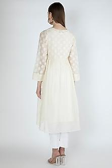 Off White Embroidered Kurta With Slip by Irabira Urban