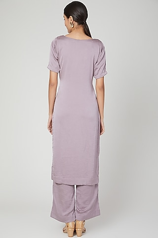 Lavender Embroidered Kurta Set by Isha Singhal