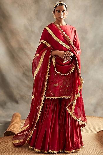 Red Embroidered Kurta Set by ITRH
