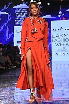Red Embroidered Draped Kurta With Pants by Jajaabor