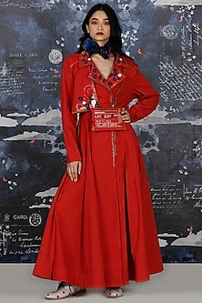 Red Embroidered Anarkali Set With Belt by Jajaabor
