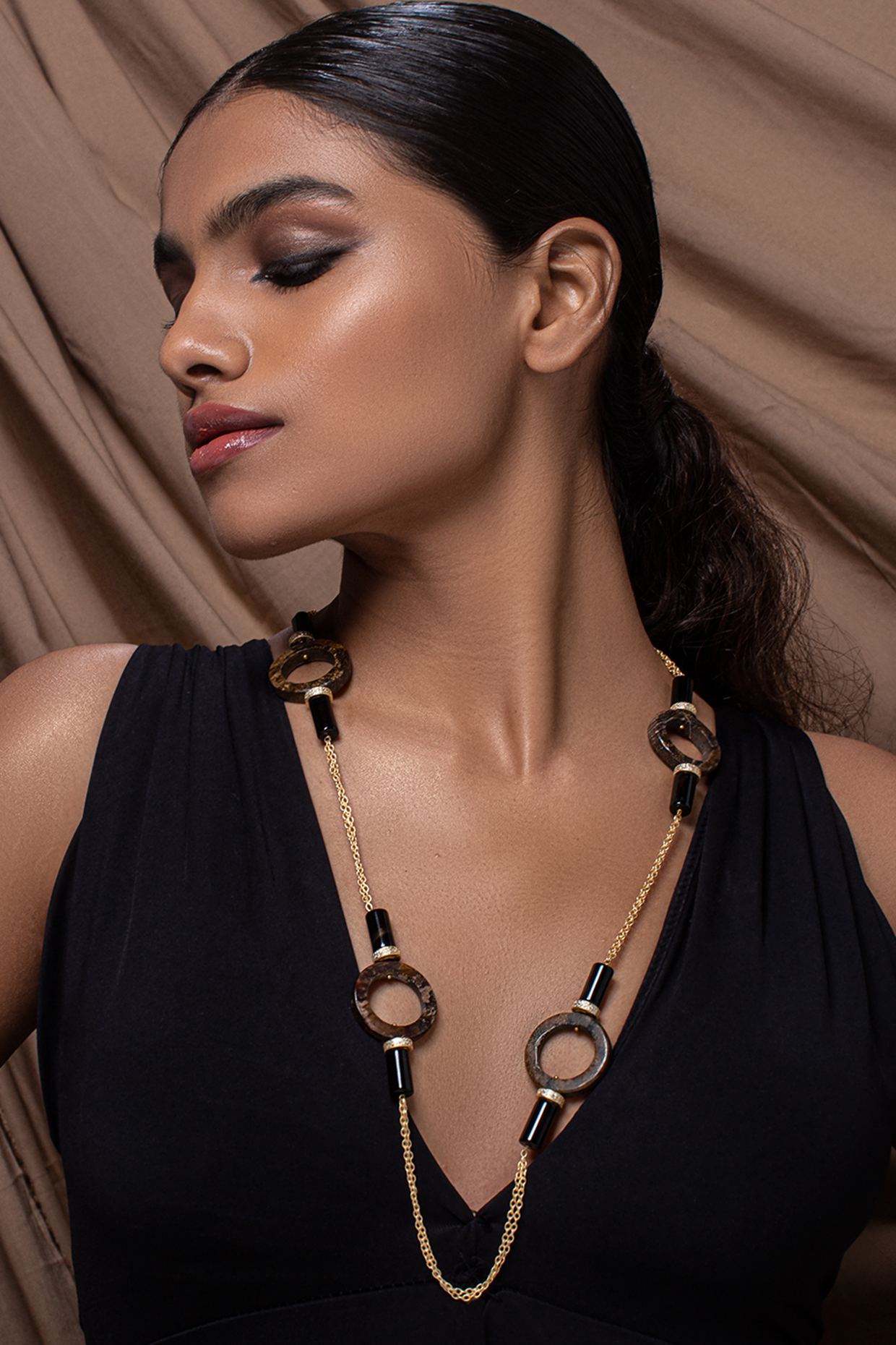 Gold Finish Pearl & Agate Necklace by Joules By Radhika
