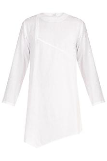 White Khadi Asymmetrical Short Kurta by Jewellyn Alvares