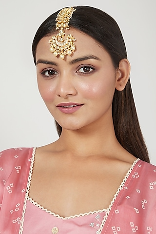 Gold Finish Maang Tikka by Just Jewellery