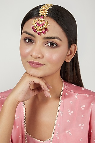 Gold Finish Maang Tikka With Jadtar by Just Jewellery