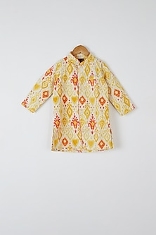 Yellow & Orange Printed Kurta Set by Yuvrani Jaipur Kidswear