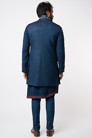 Midnight Blue Embroidered Kurta Set by Jatin Malik