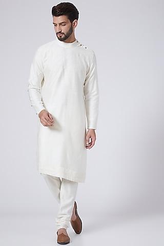 Ivory Asymmetrical Kurta Set by Jatin Malik