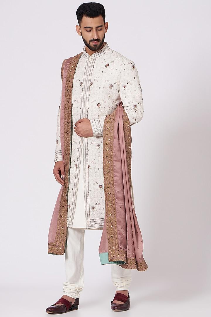 Ivory Floral Embroidered Sherwani Set by Jatin Malik