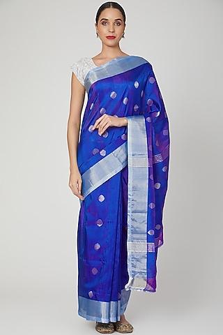 Turquoise Blue Saree Set With Zari Detailing by Kalaneca