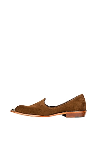 Brown Juttis With Metal Cap by Kavith