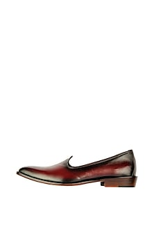 Bordo Leather Juttis With Burnish Look by Kavith
