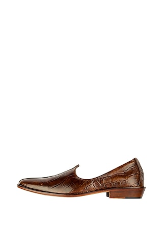 Brown Leather Patina Juttis by Kavith
