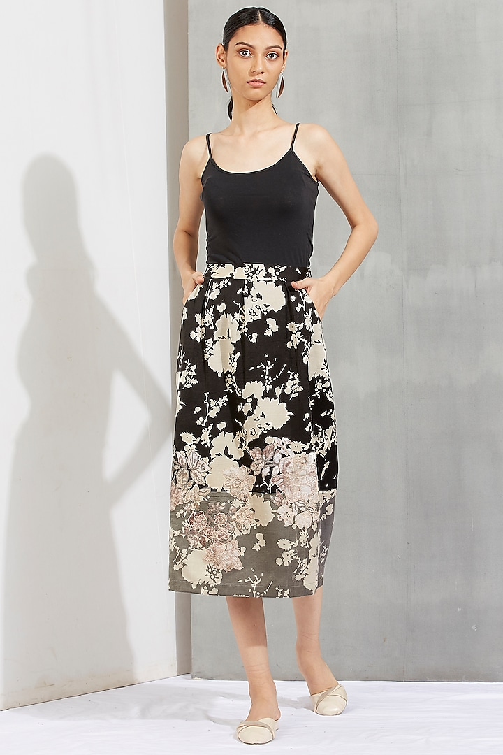 Black Printed Box Pleated Skirt by Kavita Bhartia