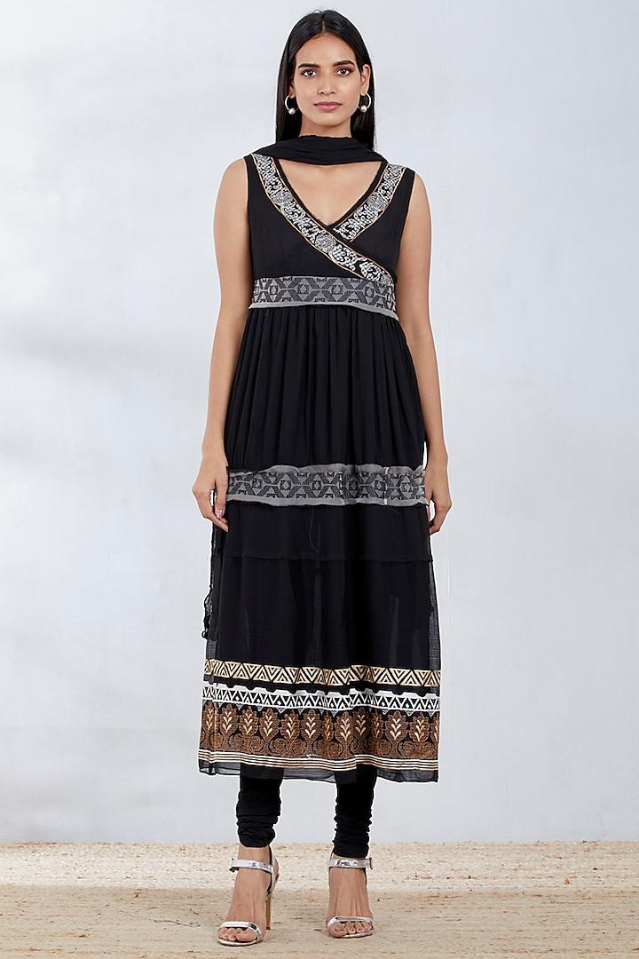 Black Thread Embroidered Wrap Kurta Set by Kavita Bhartia