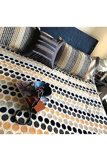 Multicolor Splendour Bedcover Set by Karmadori