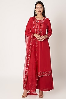 Red Embroidered Kurta Set by Kehiaa by Kashmiraa