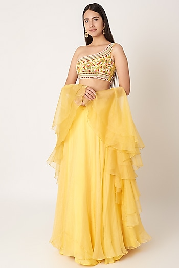 Yellow Embroidered Lehenga Set by Kehiaa by Kashmiraa