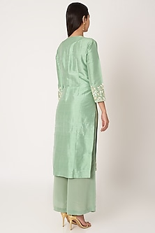 Mint Green Embroidered Kurta Set by Kehiaa by Kashmiraa