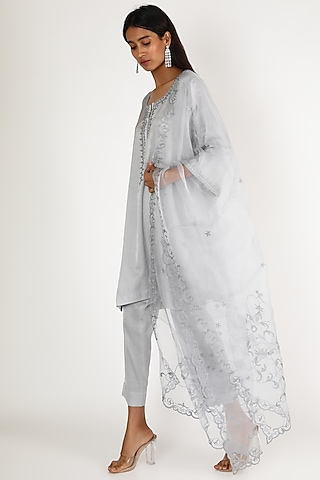 Grey Embroidered Kurta Set by Kehiaa By Kashmiraa