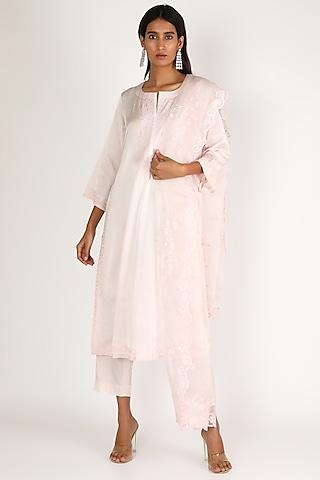Blush Pink Embroidered Kurta Set by Kehiaa By Kashmiraa