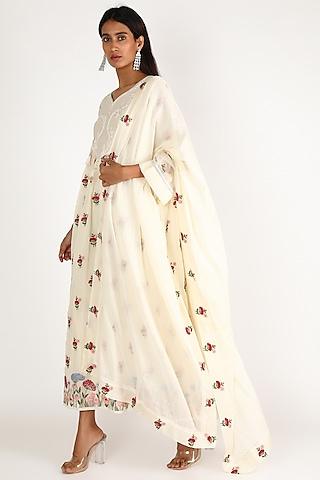 White Thread Embroidered Kurta Set by Kehiaa By Kashmiraa